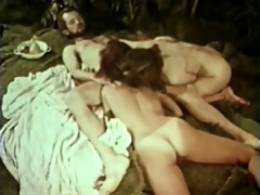 outdoor threesome retro group-sex