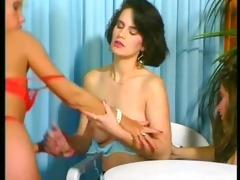 retro hawt threesome- scene 1 - julia reaves