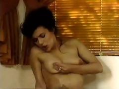 heatbreak cutie lesbian scene