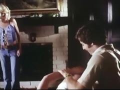 1979 - two sisters - drubbing scene