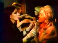 flawless retro lesbos with vibrator