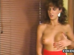 golden-haired babe acquires her pussy fingered