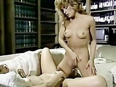 threesome vintage lezzies scissor sexing!