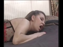 mature mom receives her cum-hole pounded -